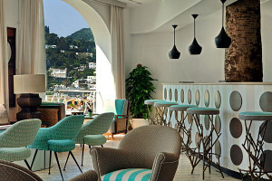 Turquoise-brings-in-a-beachy-vibe-along-with-some-retro-charm-ere