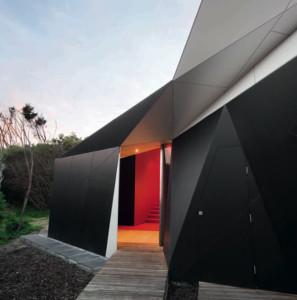 12-origami-house-www_NoOrdinaryHome_com_