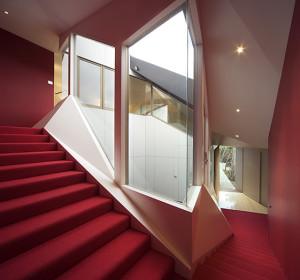 8-origami-house-www_NoOrdinaryHome_com_