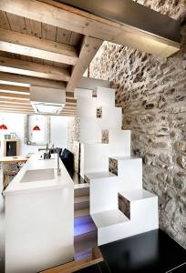 interior-design-3-old-and-contemporay