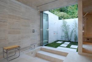 Cool-Deep-Soaking-Tub-mode-Los-Angeles-Modern-Bathroom-Decorators-with-floating-shower-bench-folding-glass-door-indoor-outdoor-landscaping-outdoor-shower-sunken-tub-tub