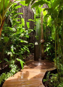 Outdoor-Shower-Idea-Jungle-Themed-with-Shower-Post-Completed-with-Shower-Fixtures1