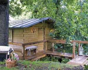 Garden-Mini-House-Bridge-Architecture-590x472