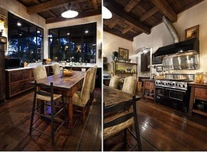 Kitchen-Furniture-Design-at-Traditional-Wooden-House-Style-Decorating
