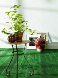 zielona podłoga z desek